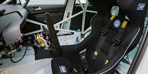 golf-mk7-racer-interior