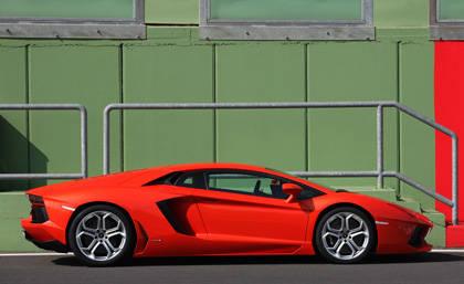 546b709883b7b_-_first-drive-2012-lamborghini-aventador-lp-700-4-lg