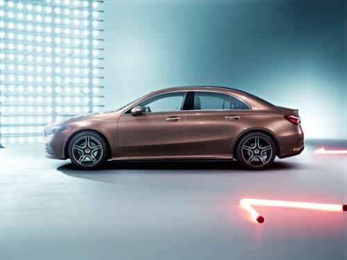 Mercedes-Benz Clase A Sedán Lateral