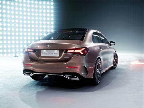Mercedes-Benz Clase A Sedán Trasero 1