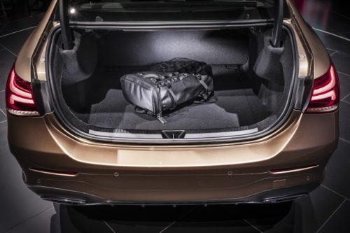 Mercedes-Benz Clase A Sedán Cajuela
