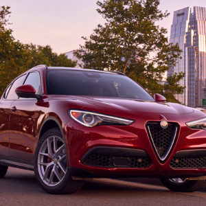 Alfa Romeo Stelvio frente