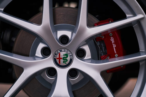 Alfa Romeo Stelvio detalle rin