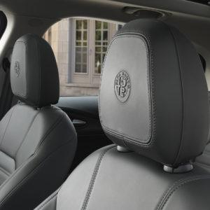 Alfa Romeo Stelvio cabecera